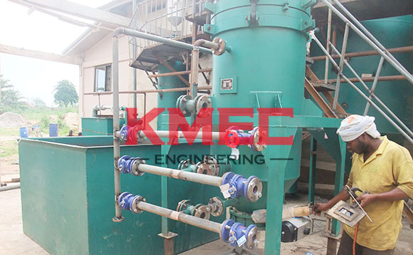workers are   welding leaf filter pipes